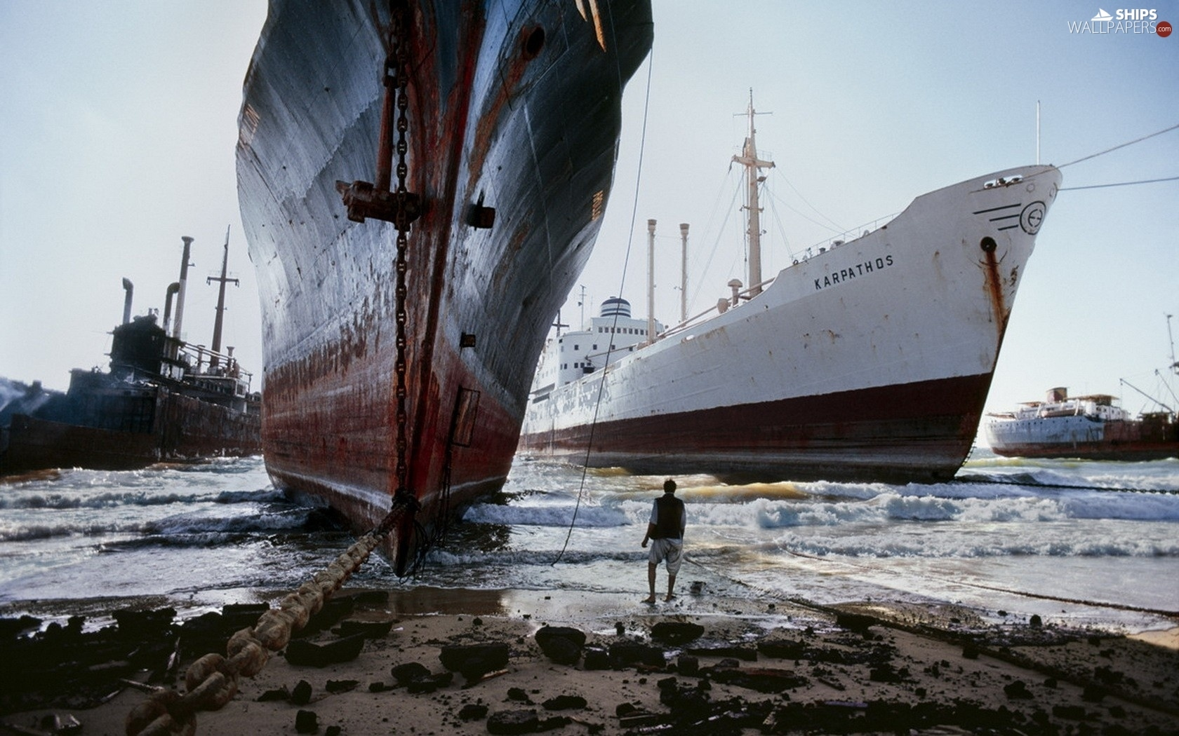 Beaches, vessels, scrapping